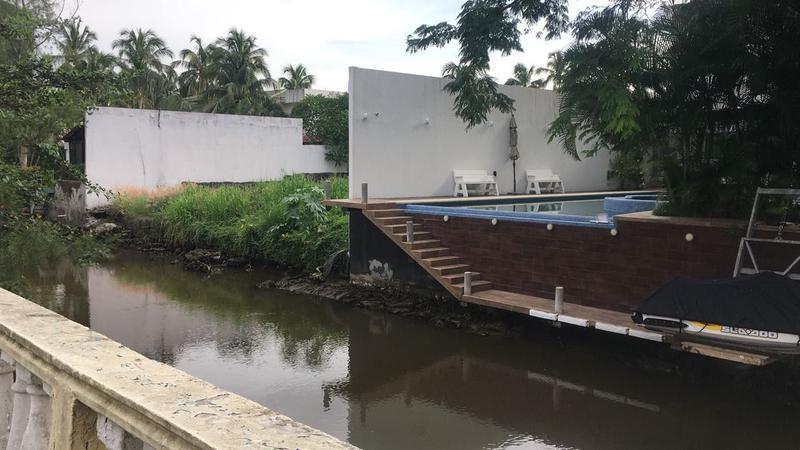 Foto Terreno en Venta en  El Estero,  Boca del Río  EL ESTERO, Terreno en VENTA de 760 m2 con acceso a canal de río