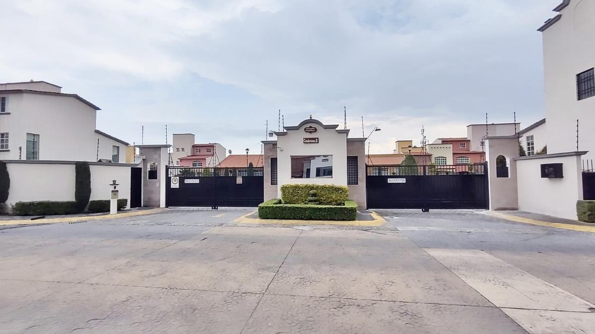 Foto Casa en condominio en Venta en  La Providencia,  Metepec  CASA EN VENTA MUY CERCA DE PARQUE BICENTENARIO Y TV MEXIQUENCE EN METEPEC