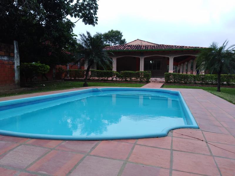 Foto Quinta en Venta en  Limpio ,  Central  Limpio