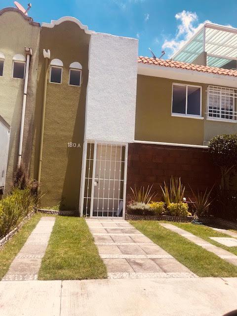 Foto Casa en condominio en Renta en  Santa María Totoltepec,  Toluca  Casa EN Renta EN Toluca , Fraccionamiento Ahuehuetes
