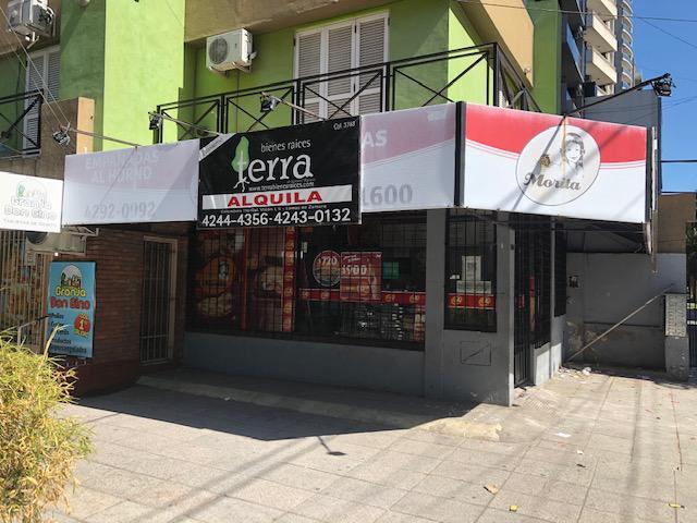 Foto Local en Alquiler en  Lomas De Zamora ,  G.B.A. Zona Sur  Sarmiento al 300