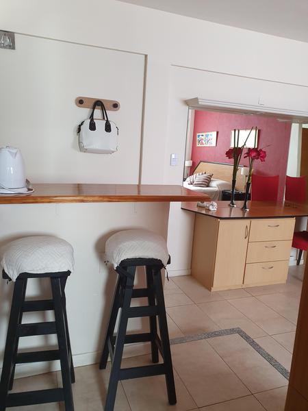 Foto Departamento en Alquiler temporario en  Recoleta ,  Capital Federal  TEMPORARIO - MONO  en Uruguay al 800 EQUIPADO - PAQUETE