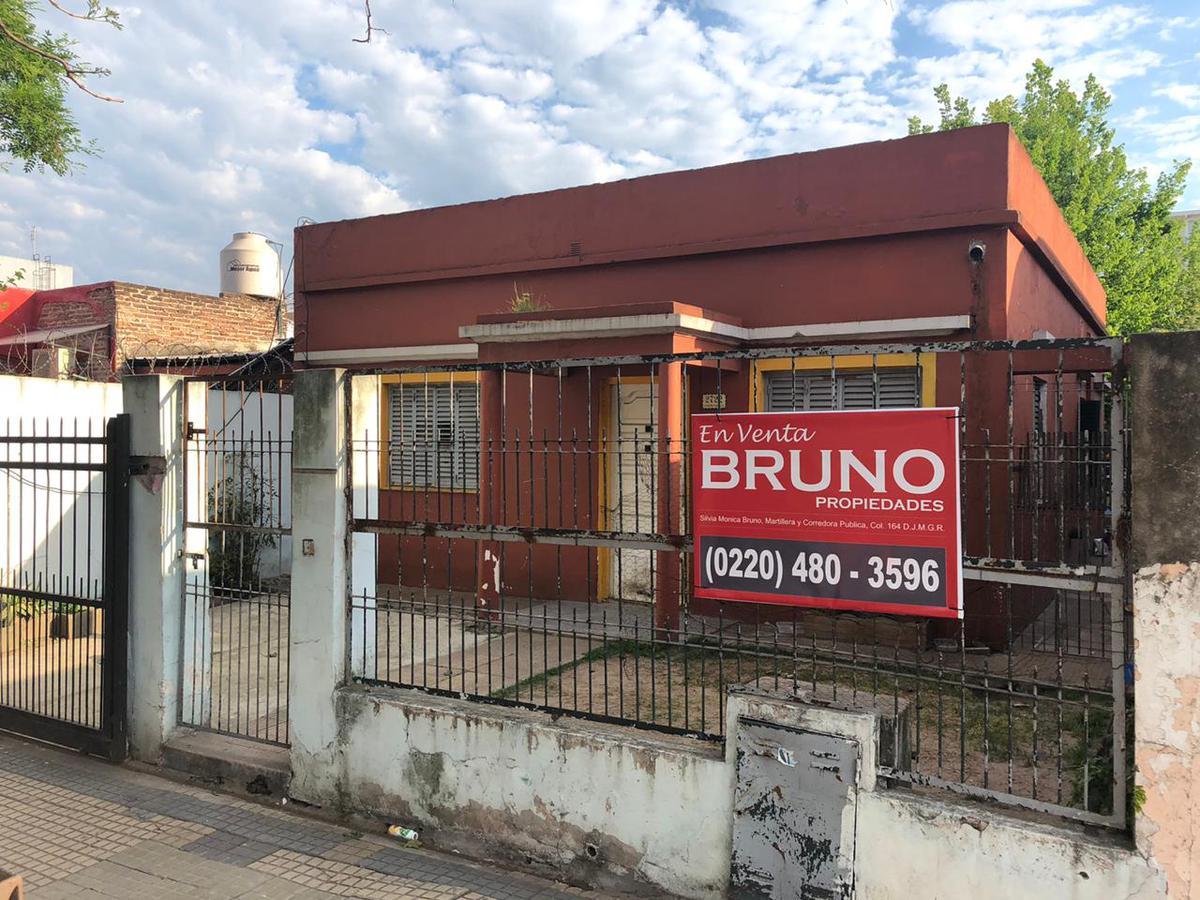Foto Casa en Venta |  en  Moreno,  Moreno  Independencia al 2700