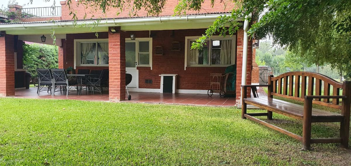 Foto Casa en Alquiler temporario en  Ezeiza,  Ezeiza  Barrio Privado Las Fuentes