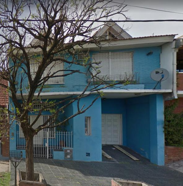 Foto Casa en Alquiler en  Lomas De Zamora ,  G.B.A. Zona Sur  DONIZETTI 81