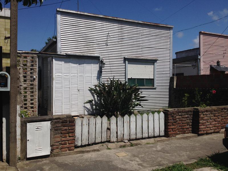 Foto Casa en Venta en  Berisso ,  G.B.A. Zona Sur  14 entre al 100
