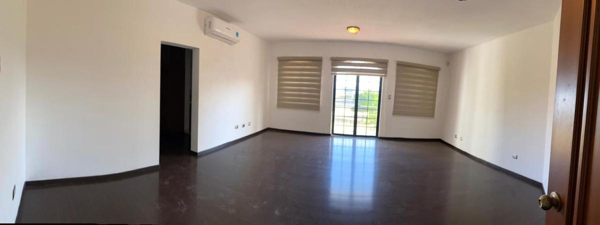 Foto Casa en Renta en  Fraccionamiento Los Lagos,  Hermosillo  CASA EN RENTA EN LOS LAGOS RESIDENCIAL AL PONIENTE DE HERMOSILLO