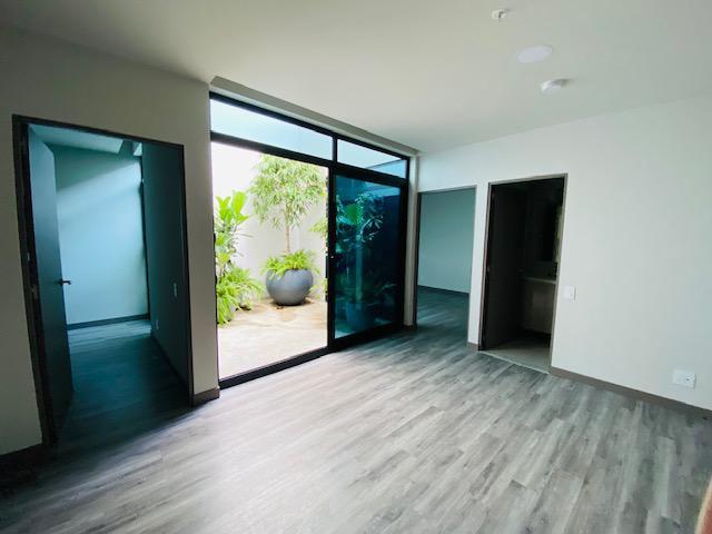 Foto Departamento en Renta en  Mata Redonda,  San José  Rohrmoser / Acogedor Apto de 2 habitaciones/ Patio interno/ A ESTRENAR
