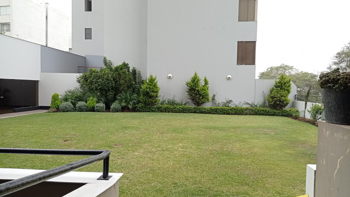 Foto Departamento en Alquiler en  San Isidro,  Lima  Alquiler de Departamento Amoblado con vista panorámica al Golf, San Isidro