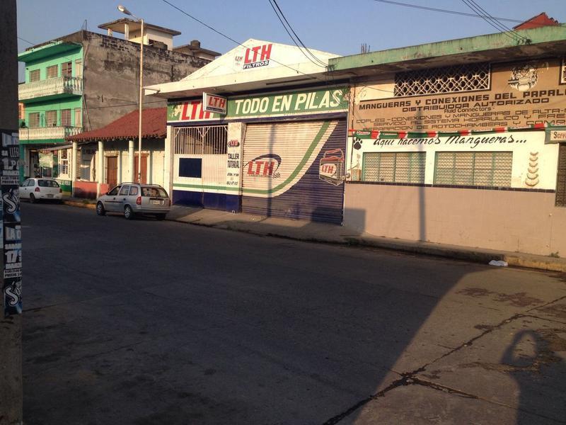 Foto Local en Venta en  Cosamaloapan de Carpio Centro,  Cosamaloapan de Carpio  Nicolas Bravo 100 entre Pino Suarez y Blvd Miguel Aleman