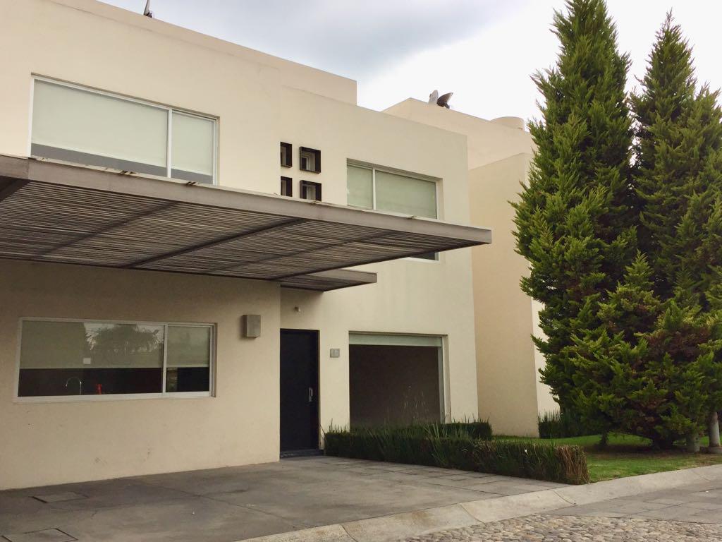 Foto Casa en condominio en Venta en  Llano Grande,  Metepec  Casa en Venta en Residencial Bosques de Sauces