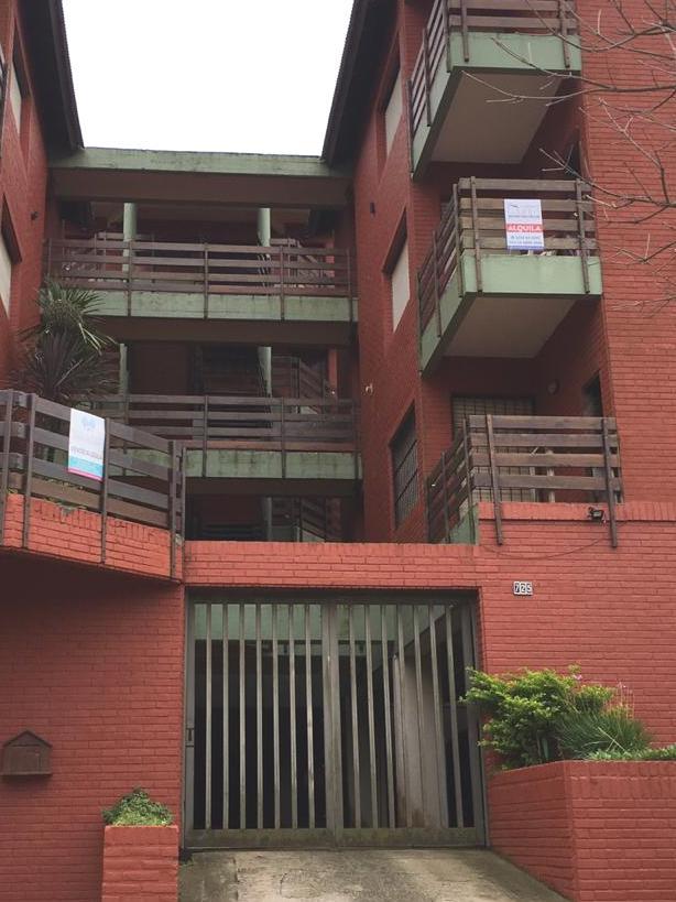 Foto Departamento en Alquiler en  Pinamar ,  Costa Atlantica  Alquiler Temporario de depto 3 ambs con dependencia divina zona en Pinamar