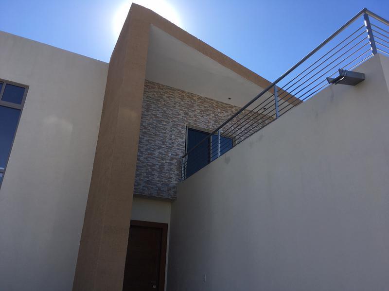 Foto Casa en Renta en  Fraccionamiento Bosques del Valle,  Chihuahua  BOSQUES DEL VALLE I, RESIDENCIA, FRENTE A PARQUE, RECAMARA EN PLANTA BAJA.