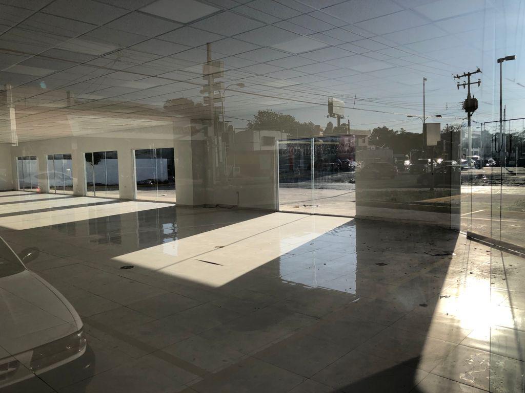 Foto Local en Renta en  Fraccionamiento Pensiones,  Mérida  Local con amplia vista de 1500m² (subdivididos), de superficie, 279m² de construcción, con 9 cajones de estacionamiento, baños