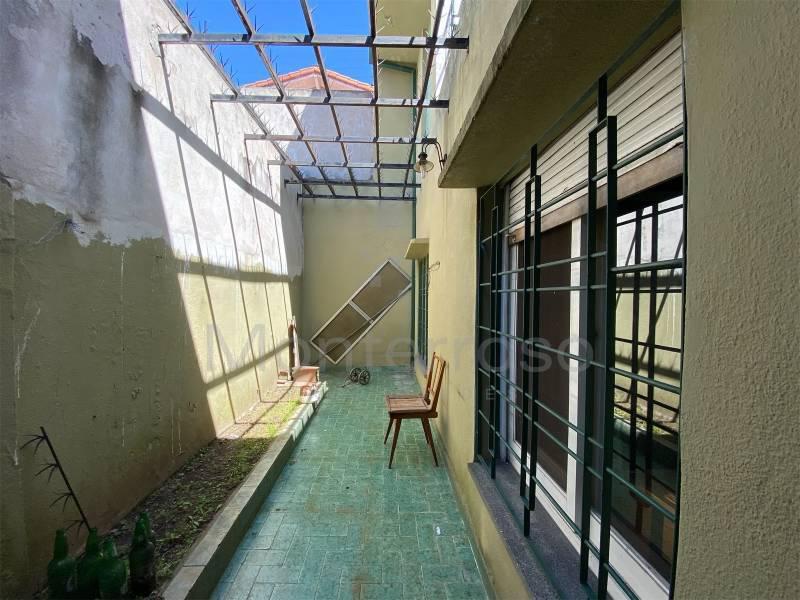 Foto Casa en Venta en  Bernal,  Quilmes  Luis Beltran al 100