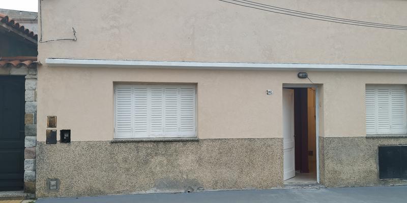 Foto PH en Venta | Alquiler en  Lanús Oeste,  Lanús  Ignacio Cortina al 2100