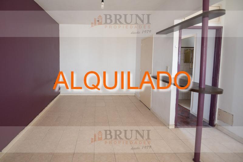 Foto Departamento en Alquiler en  Caballito ,  Capital Federal  Av. Rivadavia al 5100