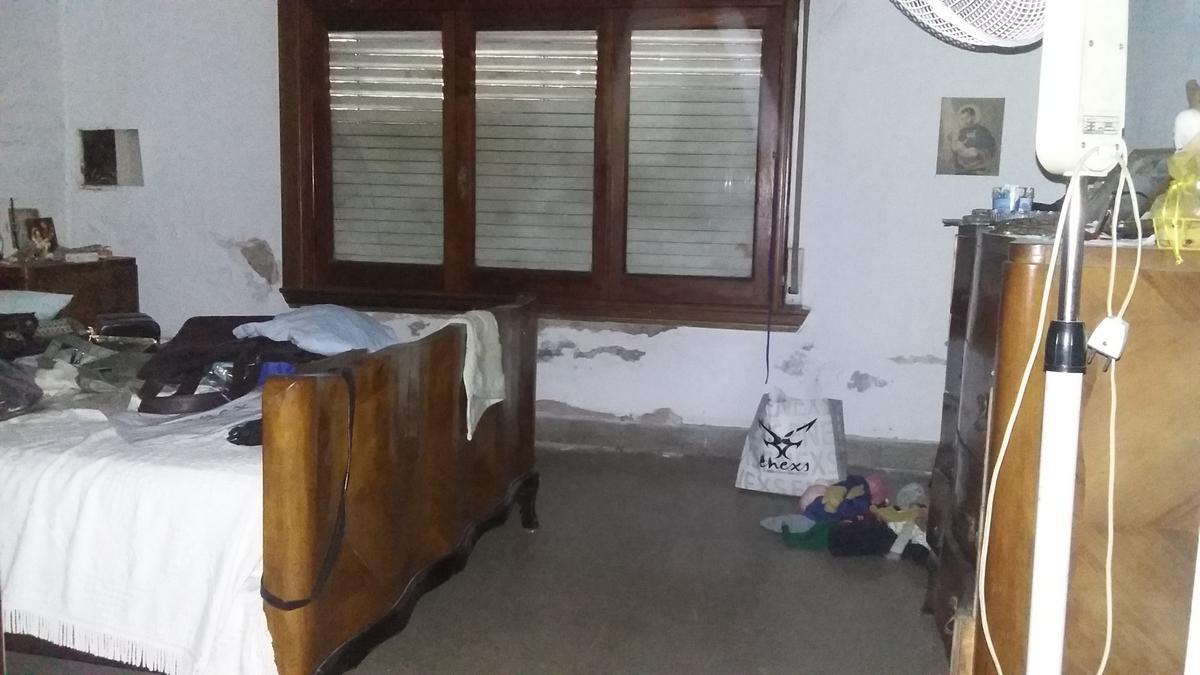 Foto Casa en Venta en  Gerli,  Avellaneda  CAMPICHUELO al 700
