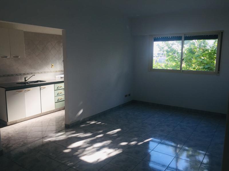 Foto Departamento en Alquiler en  Ramos Mejia,  La Matanza  Alsina al 400