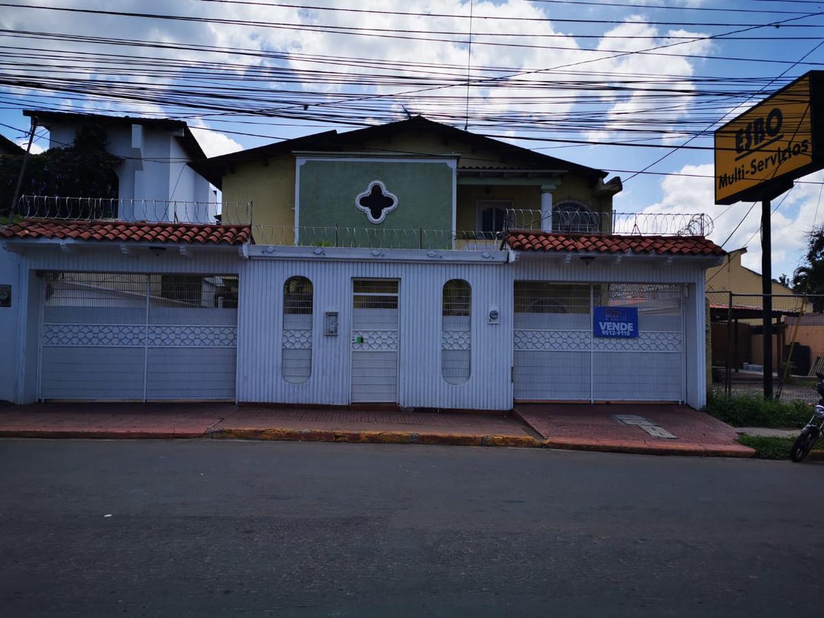 Foto Casa en Venta en  Tres Caminos,  Tegucigalpa  venta  de amplia casa en colonia 3 caminos ,