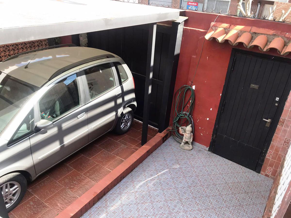 Foto Casa en Venta en  Banfield Oeste,  Banfield  Rodriguez Peña 896