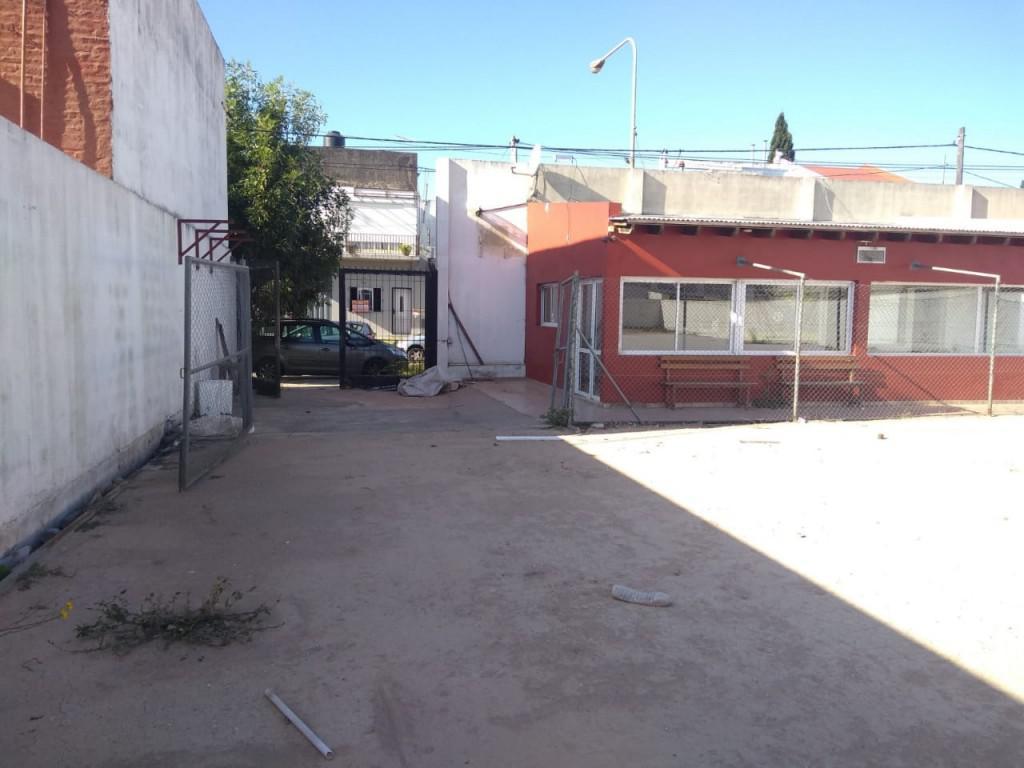 Foto Galpón en Alquiler en  La Plata ,  G.B.A. Zona Sur  148 E/ 43 y 44
