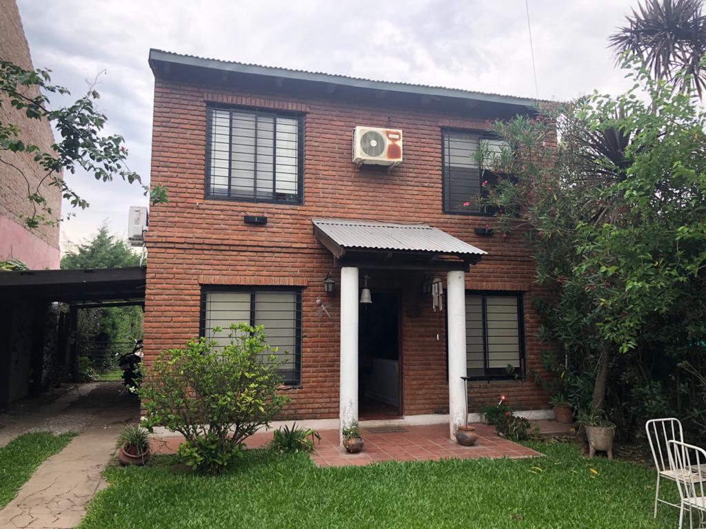 Foto Casa en Venta en  Funes ,  Santa Fe  Montevideo al 600