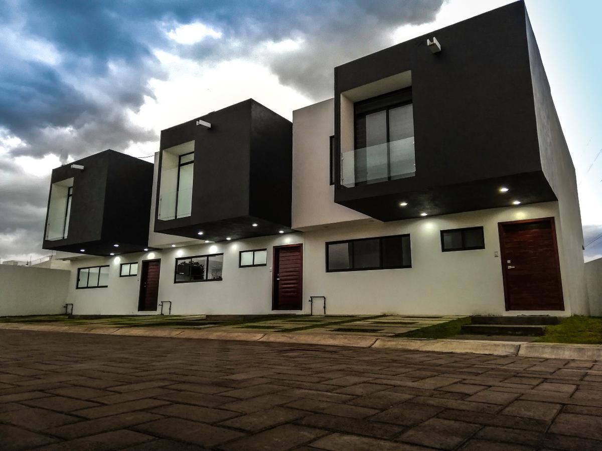 Foto Casa en Venta en  San Mateo Atenco ,  Edo. de México  CASA EN VENTA, SAN MATEO A.TENCO, CASA MAGNA