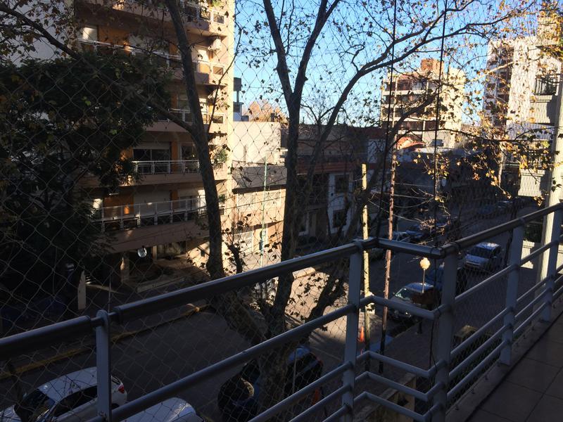 Foto Departamento en Venta en  Lomas de Zamora Oeste,  Lomas De Zamora  Mitre al 251 2  - Piso