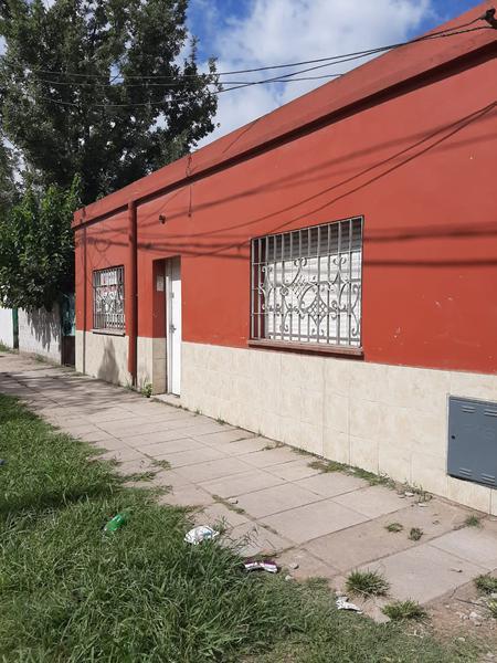 Foto Casa en Venta en  Jose Clemente Paz ,  G.B.A. Zona Norte  Chacabuco al 100