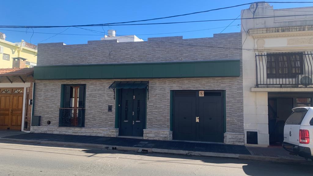 Foto Casa en Venta |  en  Concordia,  Concordia  B de Irigoyen al 300
