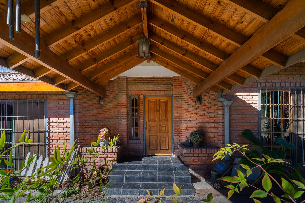 Foto Casa en Venta en  Yei Pora,  Tortuguitas  Yei Pora