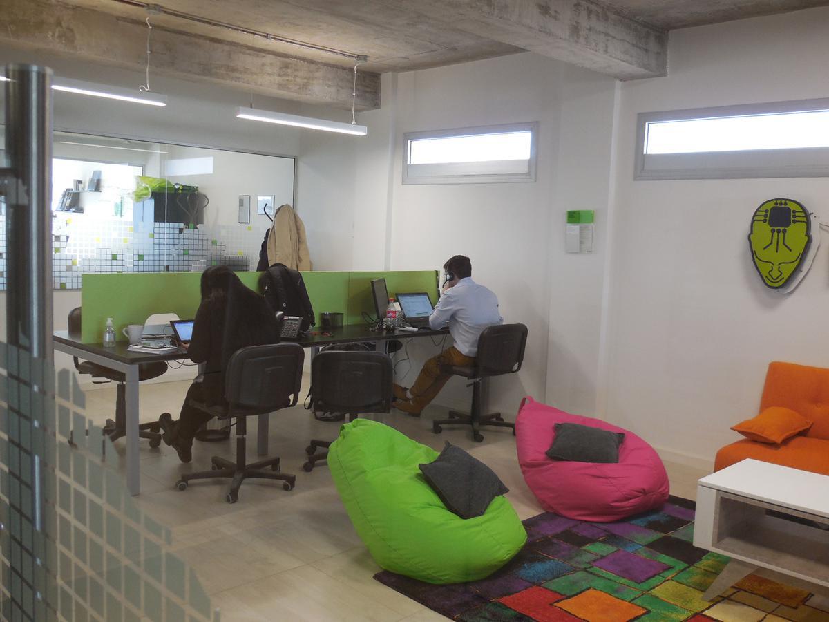 Foto Oficina en Alquiler   Venta en  Parque Patricios ,  Capital Federal  AV. CASEROS  esq. DIOGENES TABORDA