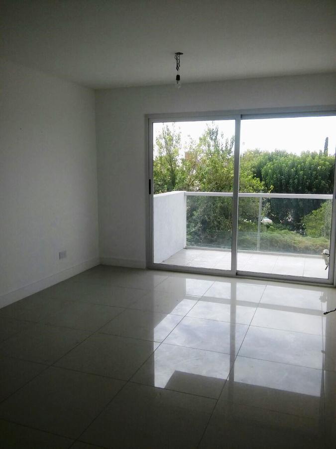 Foto Departamento en Venta en  Ituzaingó ,  G.B.A. Zona Oeste  Camacua esquina Mansilla