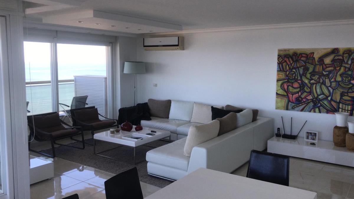 Foto Departamento en Alquiler en  Playa Mansa,  Punta del Este  PUNTA DEL ESTE