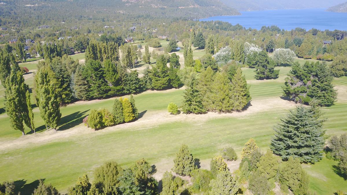 Foto Terreno en Venta en  Arelauquen Golf & Country Club,  San Carlos De Bariloche  Terrenos unificados en Arelauquen Golf