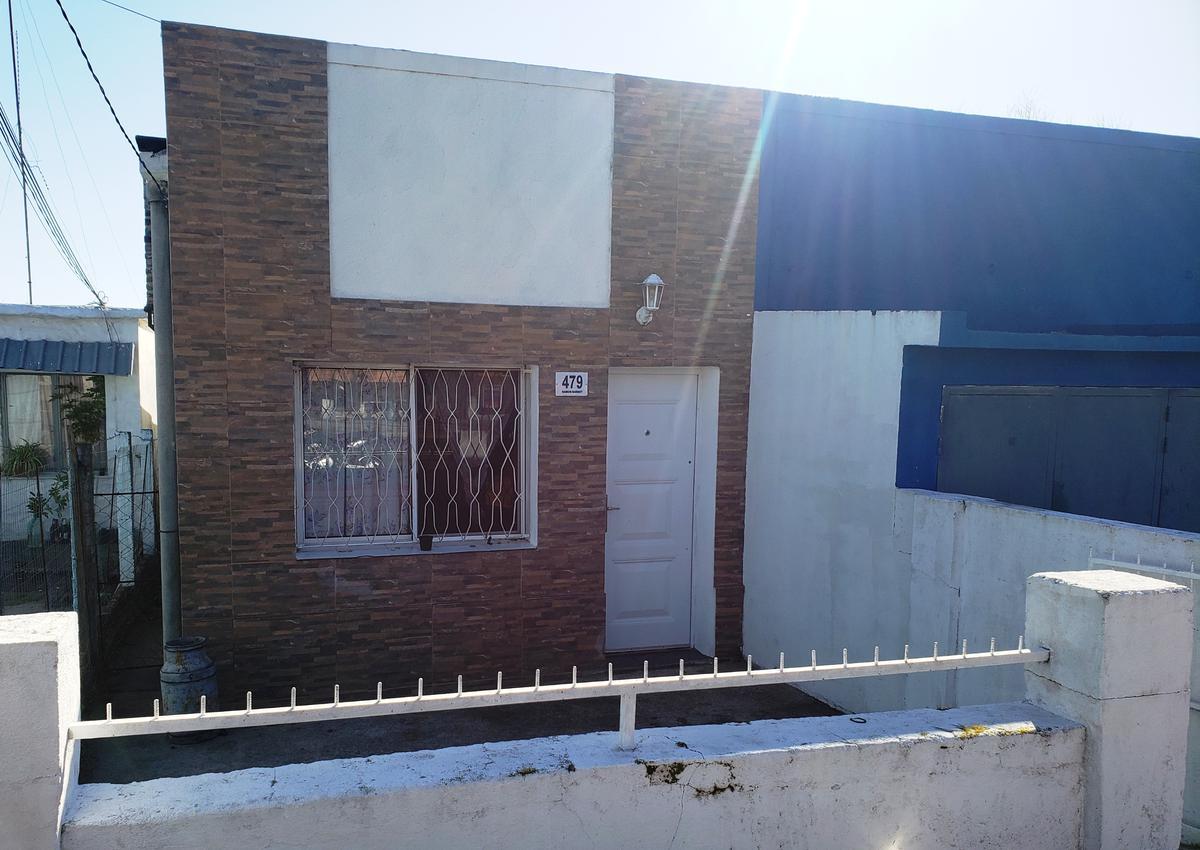 Foto Casa en Venta en  Colonia del Sacramento ,  Colonia  Ramon Barbot casi E. Frugoni