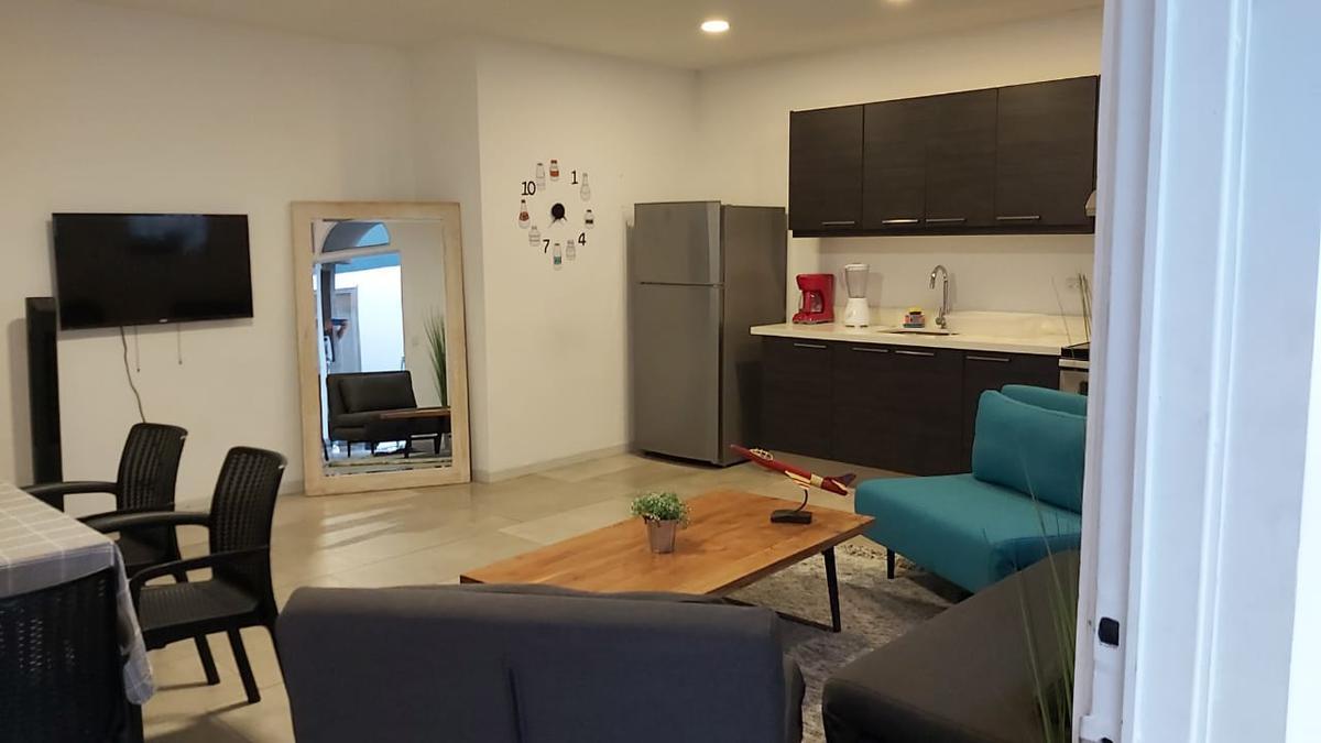 Foto Departamento en Renta en  Los Anonos,  Escazu   Los Anonos / 2 habitaciones/ Amueblado/ Con servicios incluidos