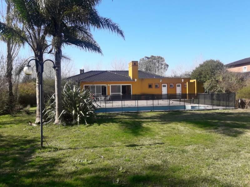 Foto Casa en Venta en  Haras Del Sur,  Countries/B.Cerrado (La Plata)  Autovía 2  69