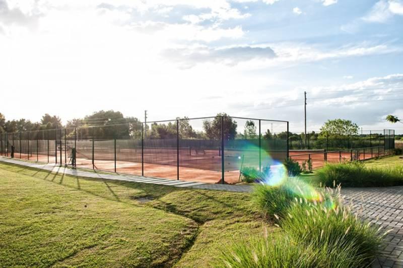 Foto Terreno en Venta en  Ayres Plaza,  Countries/B.Cerrado (Pilar)  chile al 800