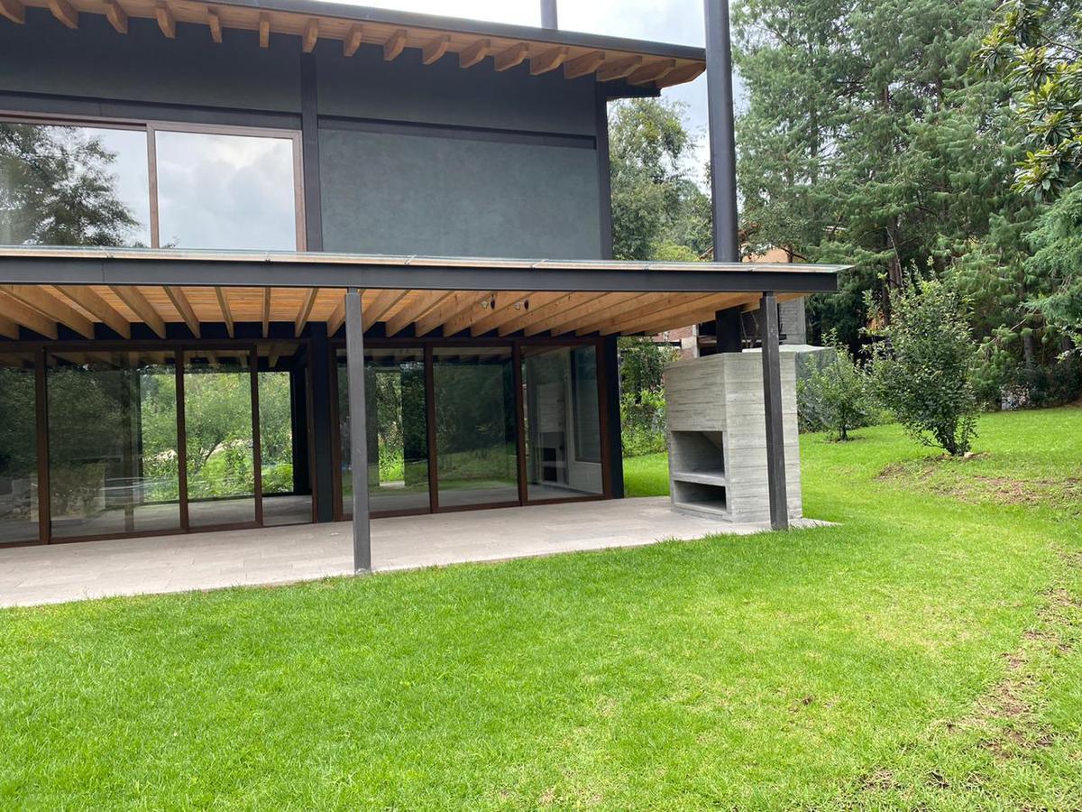 Foto Casa en Venta en  Valle de Bravo ,  Edo. de México  VENTA DE CASAS VALLE DE BRAVO