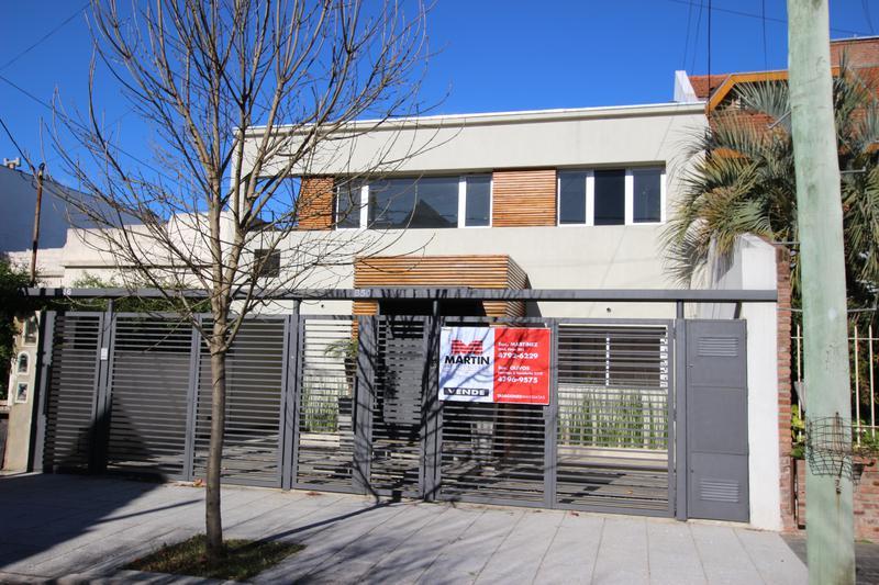 Foto Casa en Venta en  Mart.-Santa Fe/Fleming,  Martinez  SANTIAGO DEL ESTERO al 800