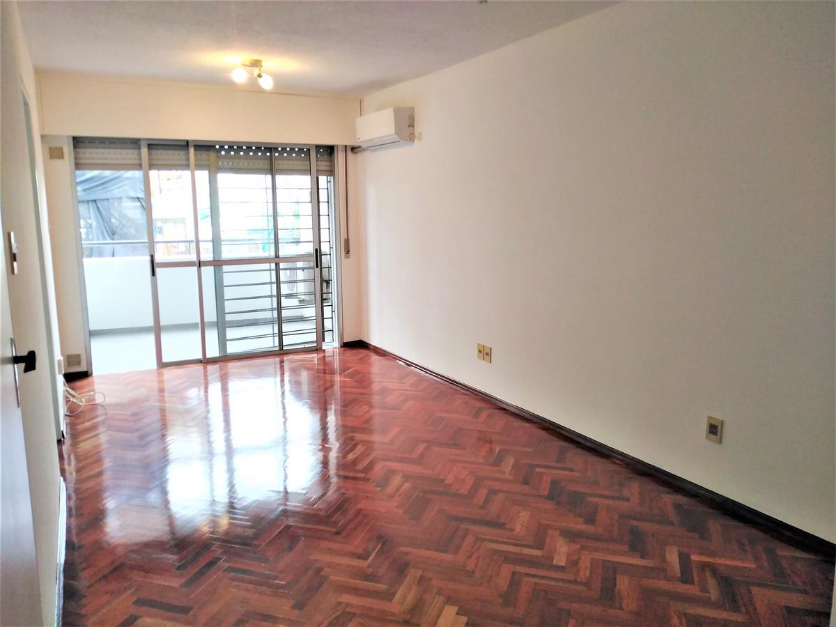 Foto Apartamento en Alquiler en  Cordón ,  Montevideo  Acevedo Díaz al 1400