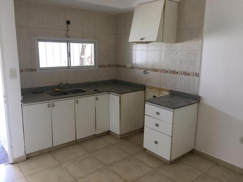 Foto Casa en Venta en  Bella Vista,  San Miguel  Santa Fé al 800