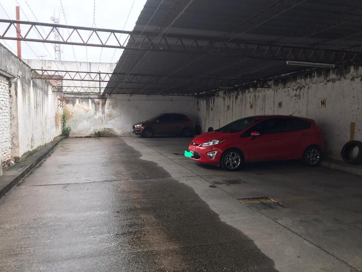Foto Cochera en Venta en  Barrio Norte,  San Miguel De Tucumán  san juan al 600