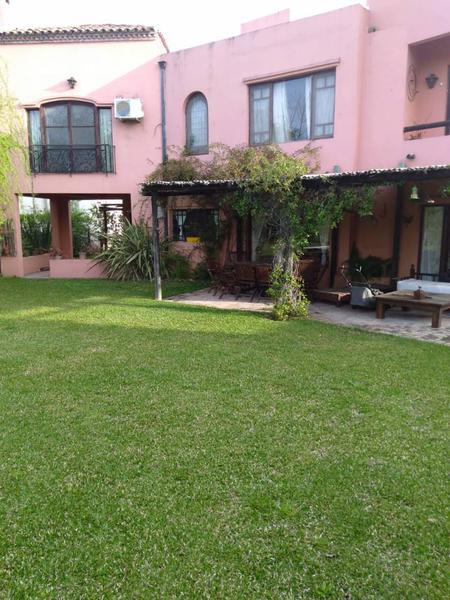 Foto Casa en Venta en  Santa Maria De Tigre,  Countries/B.Cerrado (Tigre)   Agustín M. García  al 6300