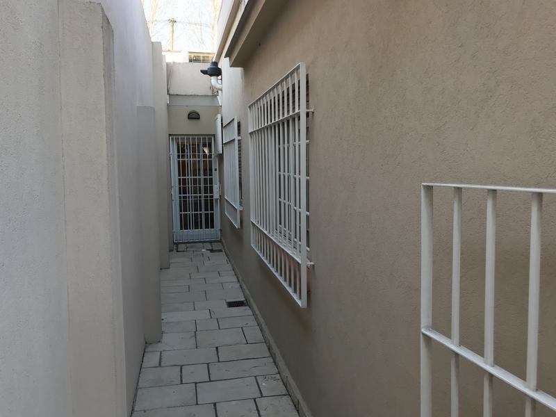 Foto Casa en Venta en  Temperley Este,  Temperley  JUNCAL 326