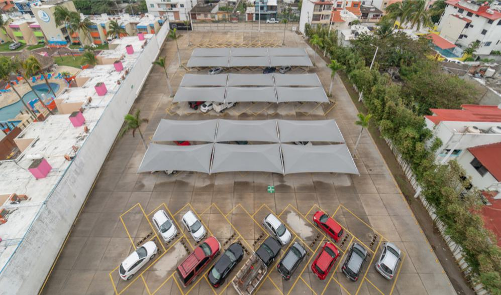 Foto Oficina en Renta en  Los Arcos,  Boca del Río  OFICINA EN RENTA EN EL BOULEVARD MIGUEL ALEMAN FRENTE AL MAR BOCA DEL RÍO VERACRUZ