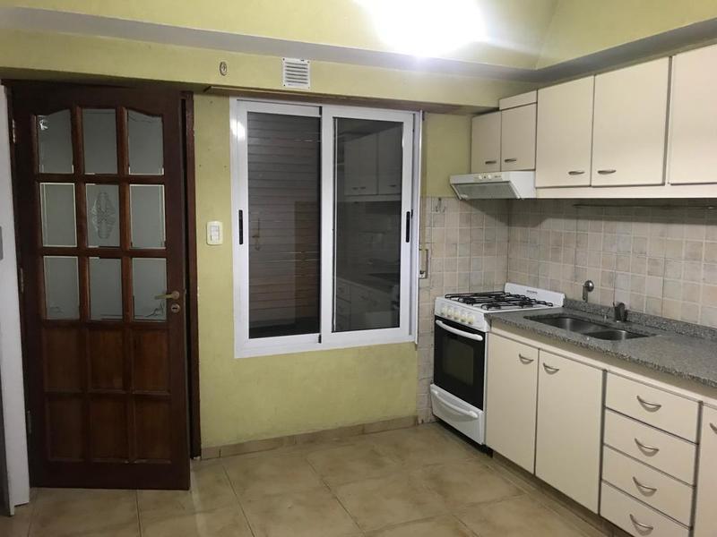 Foto Casa en Venta | Alquiler en  Lomas de Zamora Oeste,  Lomas De Zamora  San Martin 461 Lomas de Zamora