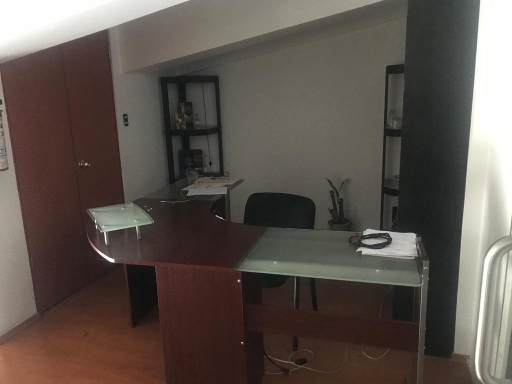 Foto Oficina en Renta en  Santa María Totoltepec,  Toluca  Local en plaza, sobre Av. Tollocan